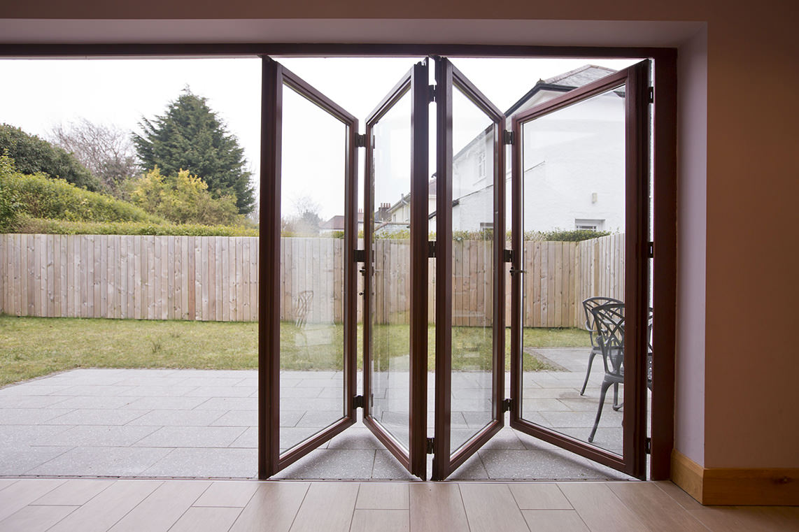 ... bi folding doors the bi fold door system allows you to maximise RJUAUFH