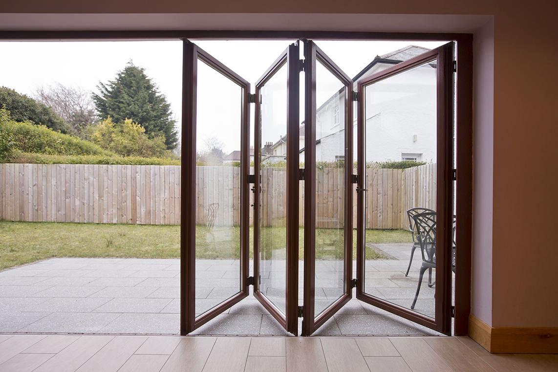 ... bi folding doors the bi fold door system allows you to maximise RJUAUFH
