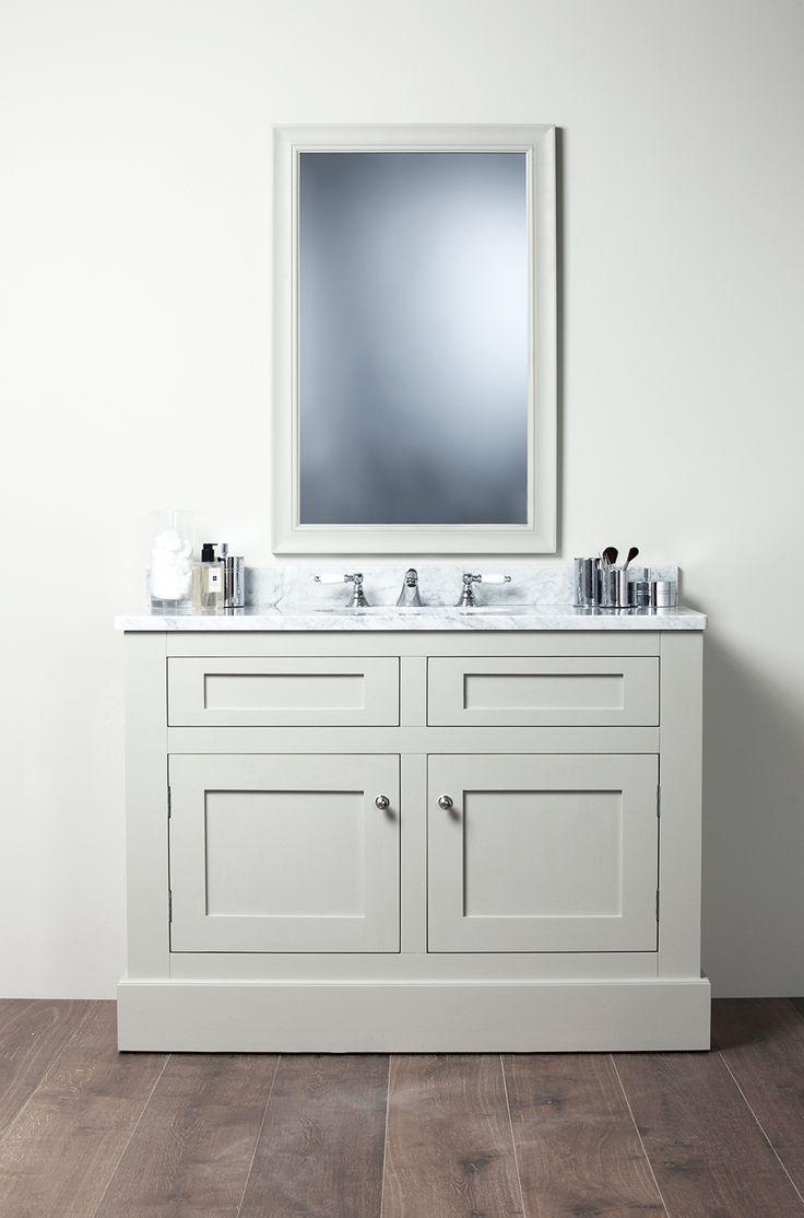 Bathroom vanity units and sinks