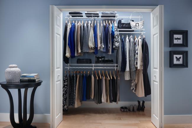 How to organize bedroom closet?