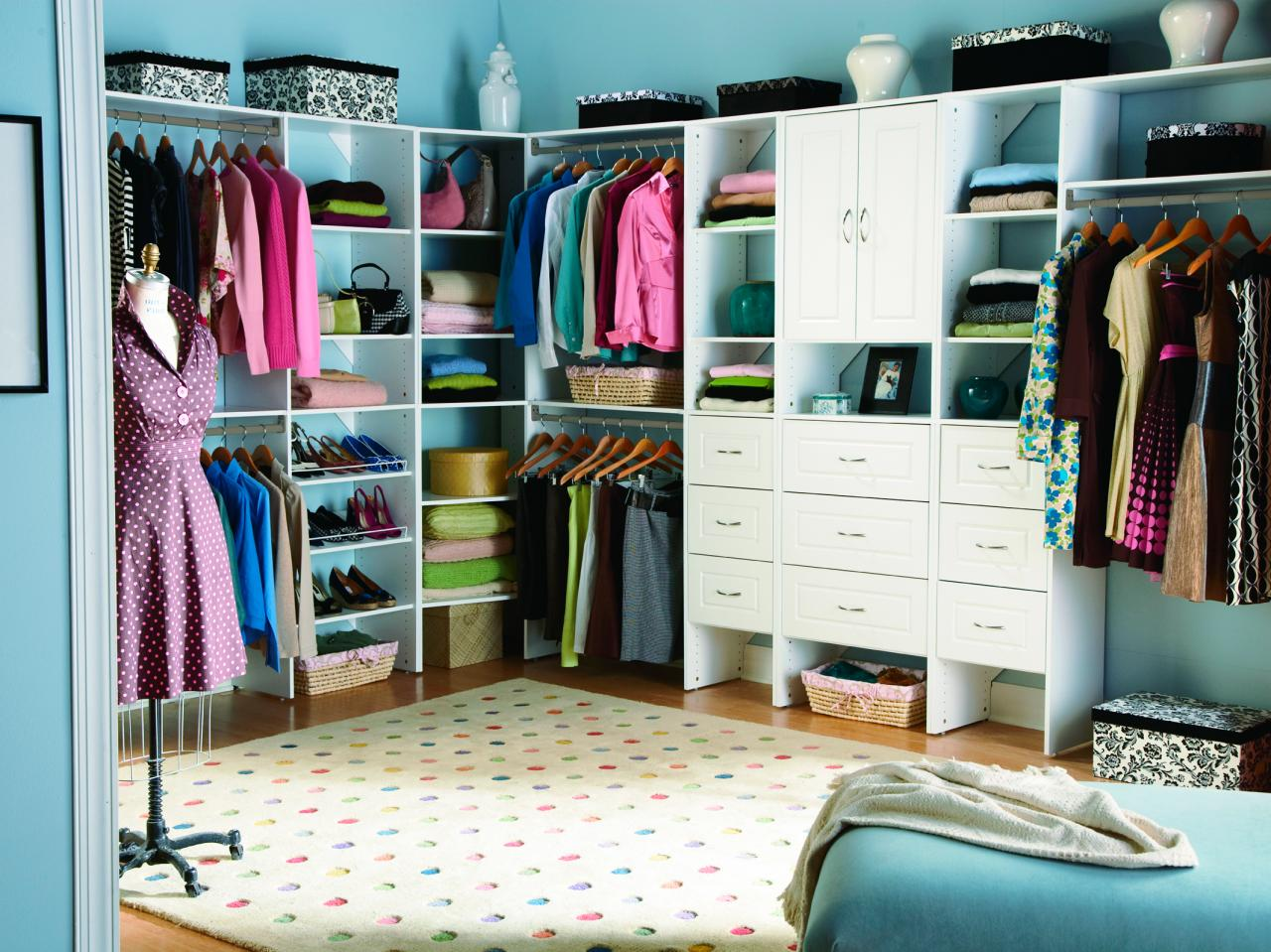 bedroom closet boutique-inspired closets IKMTXPO