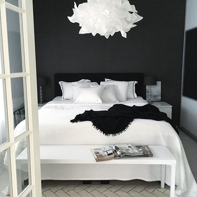 black and white bedroom black and white bedrooms more LGZLVRW