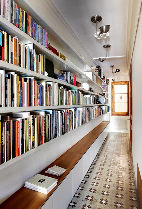 book storage hack #1: hallway library OXVZNRF