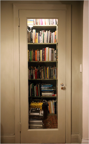 book storage hack #6: closet library CZCDEUA