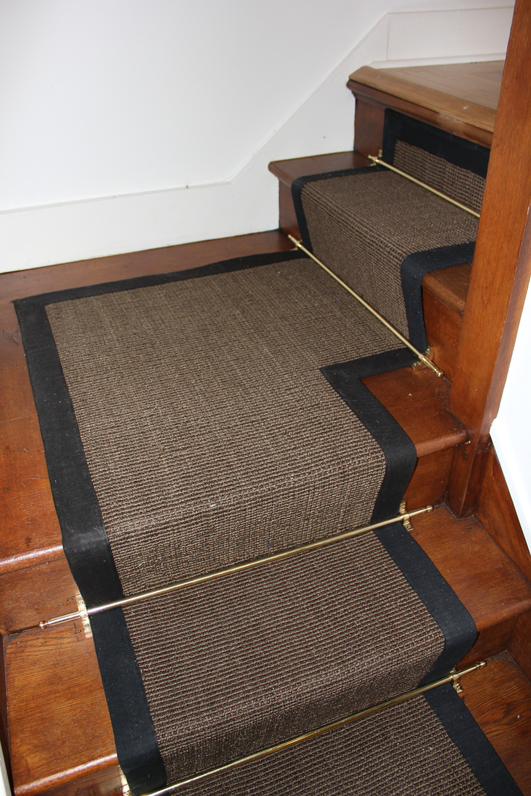 carpet runner for stairs with landing photo - 2 THNUGSA