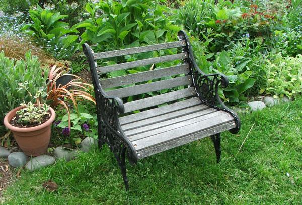 Tips on buying garden seats