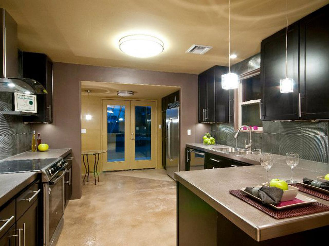 contemporary kitchens mixed materials HIAWKMN