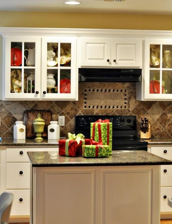 cozy christmas kitchen decor ideas TBJSTQQ