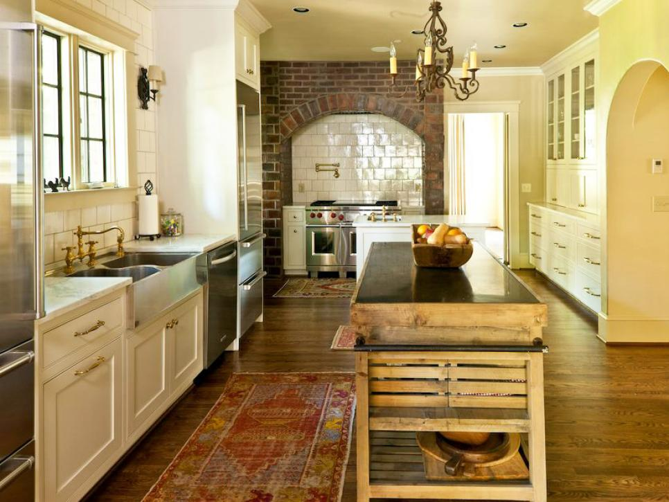 cozy country kitchen designs | hgtv GQAWUKJ