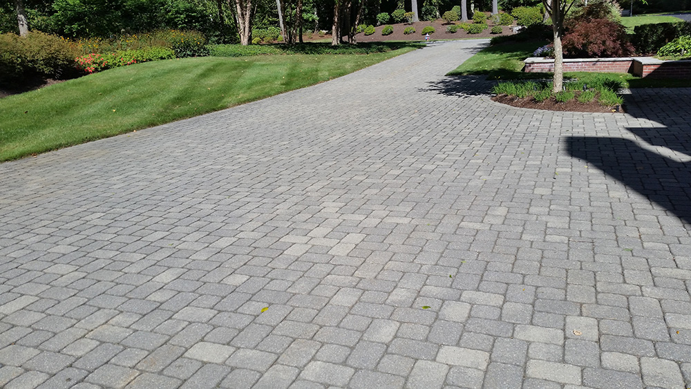 driveway pavers 02-driveway-pavers-dube-property BNYFPSH