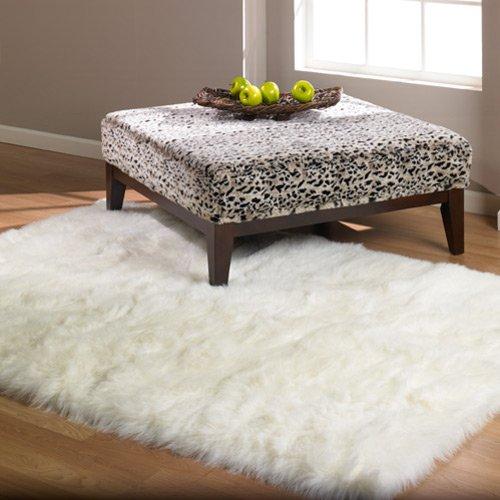Teen fashionable faux fur rug