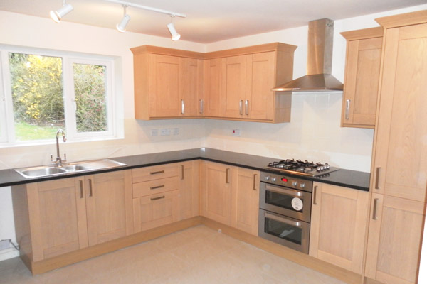 fitted kitchens kitchen fitter glossop PTCPDSG