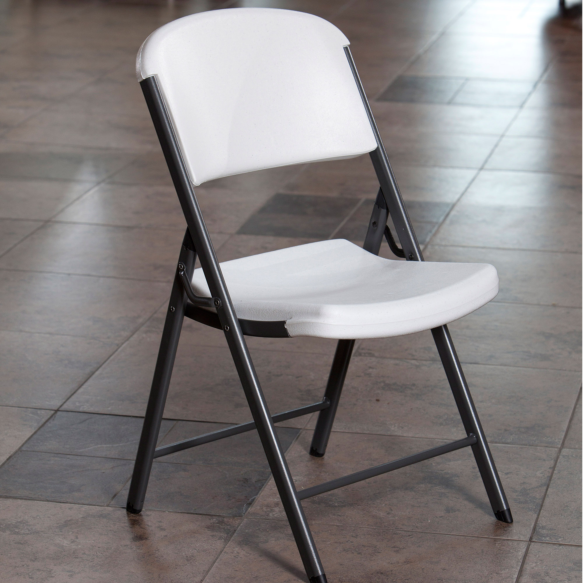 Get comfort and ease with foldable chairs