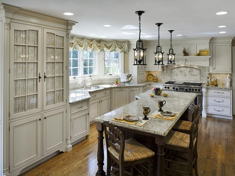 How attractive the french country kitchens are