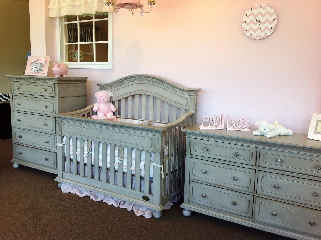 image of: nursery furniture bedroom UQYMEMK