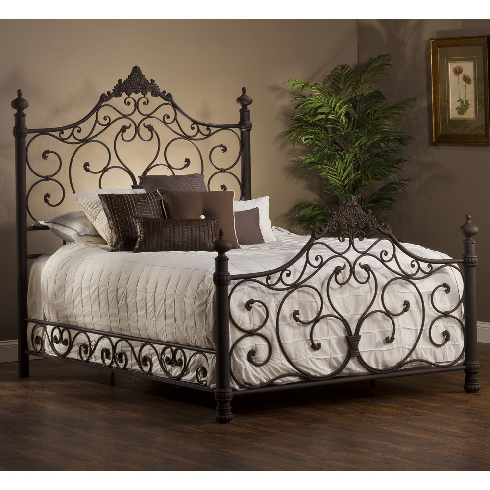 Wrought iron beds for a perfect bedroom