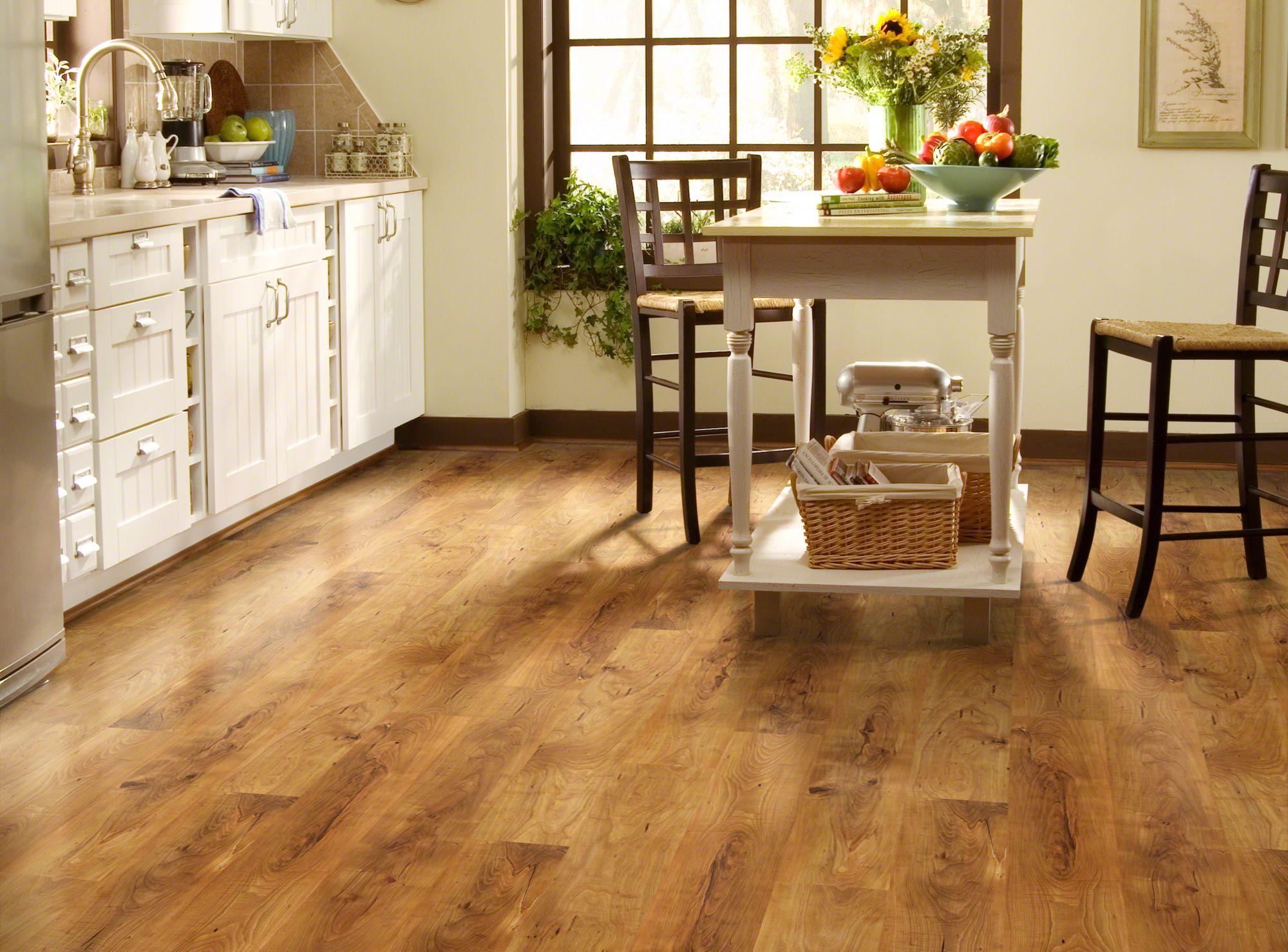 Wooden beauty: laminate floors