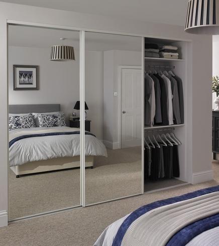 mirror wardrobe sliding mirrored wardrobe doors howden joinery AJTFYFM