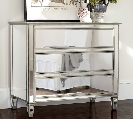 Buy antique mirrored dresser to get a stylish look in your bedroom