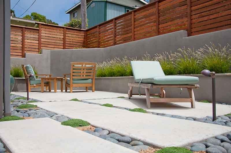 modern patio design, gray retaining wall, privacy fence patio ecotones  landscapes cambria, DYOWVJS
