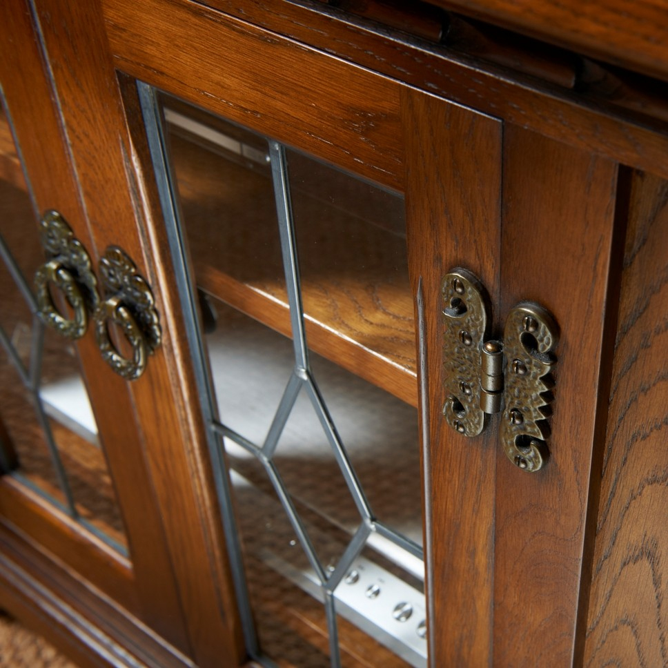 old charm furniture oc2633 old charm tv cabinet detail 1 JZCZKQF