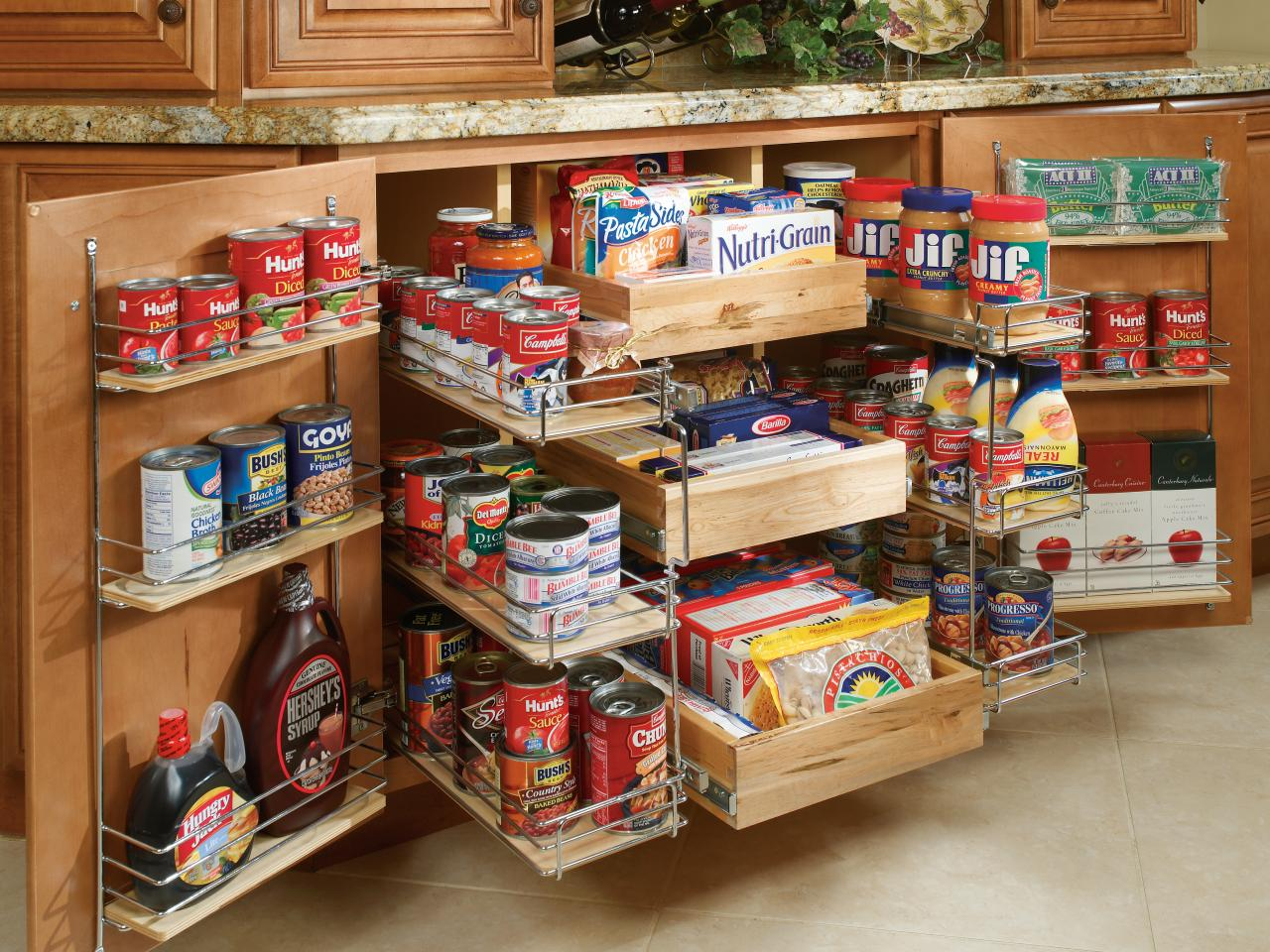organize your kitchen pantry IDGMUHV