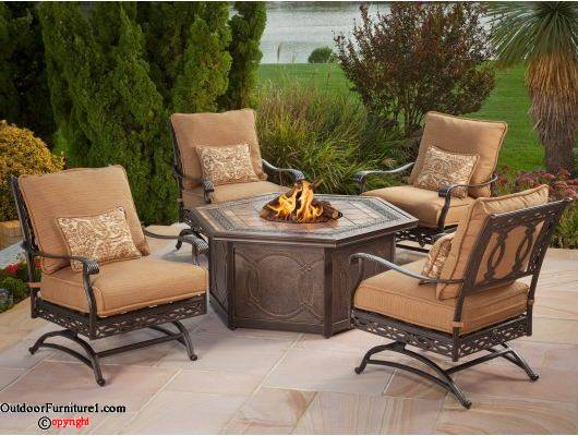 Tips for choosing furniture from a patio furniture clearance sale