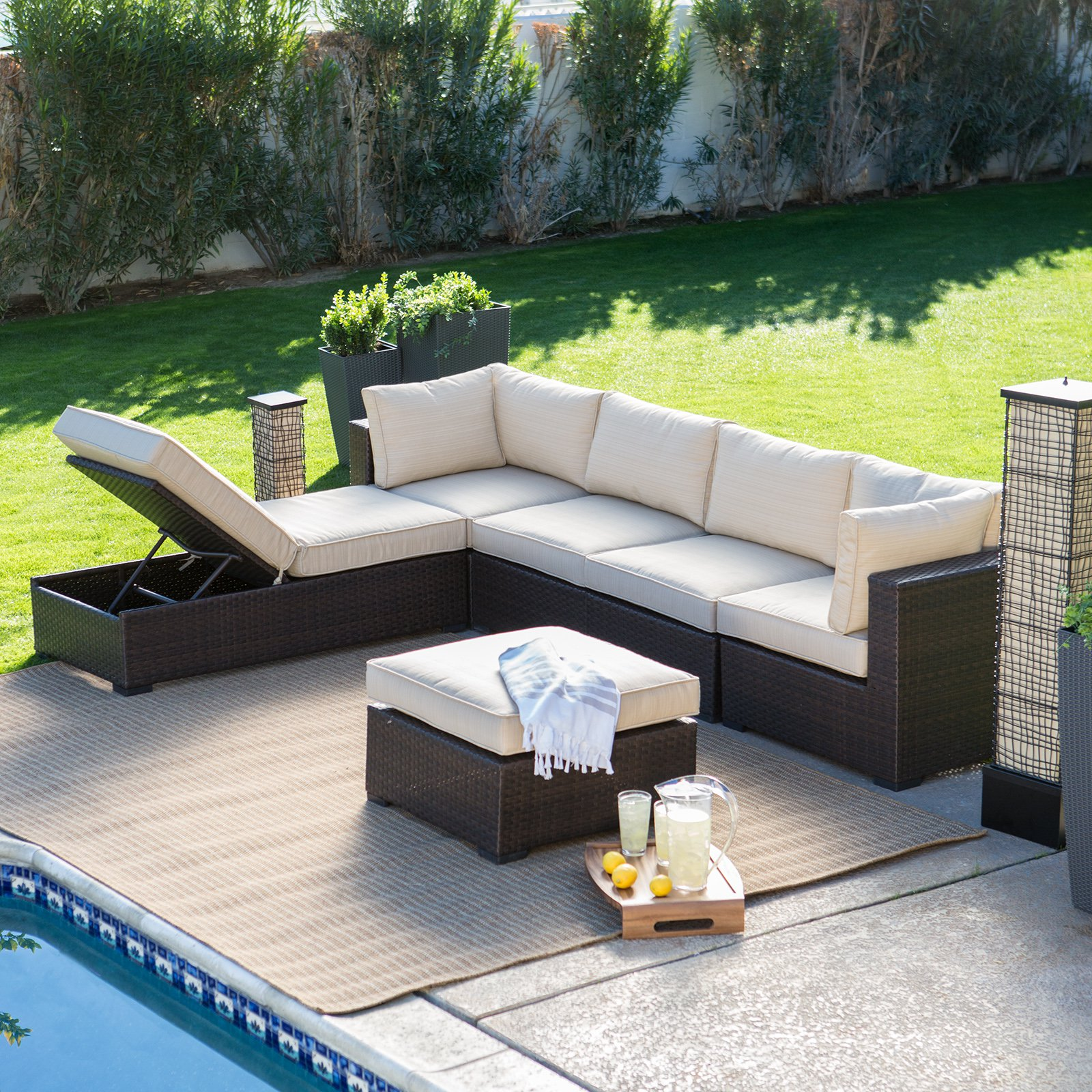 Create a warm place in the outside of the house with outdoor sectional