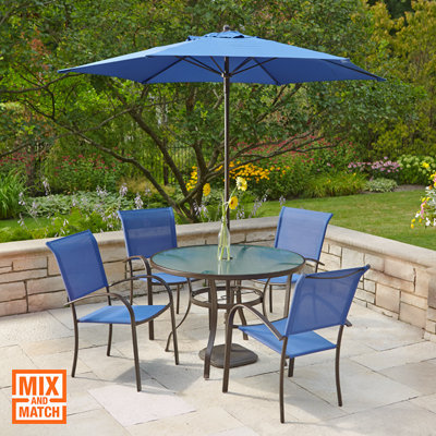 Decorate outdoor table and chairs of you house with stylish funiture