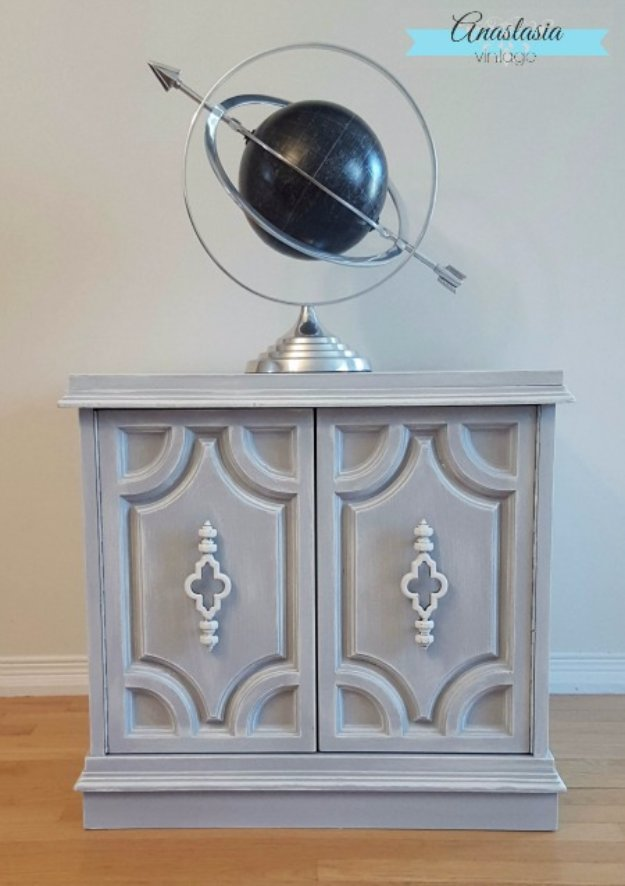 painted furniture ideas diy chalk paint furniture ideas with step by step tutorials - weathered PINLTZB