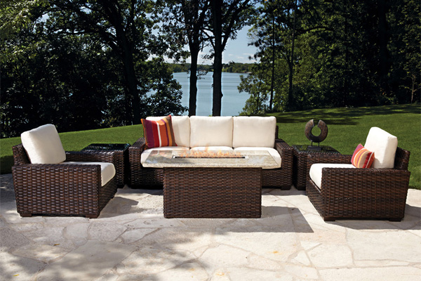 Tips for purchasing and maintaining patio furniture sets