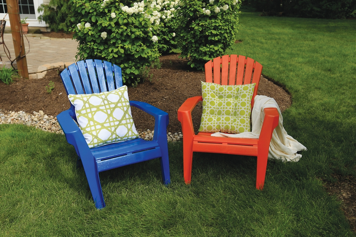 Decorate your outdoor plastic patio chairs