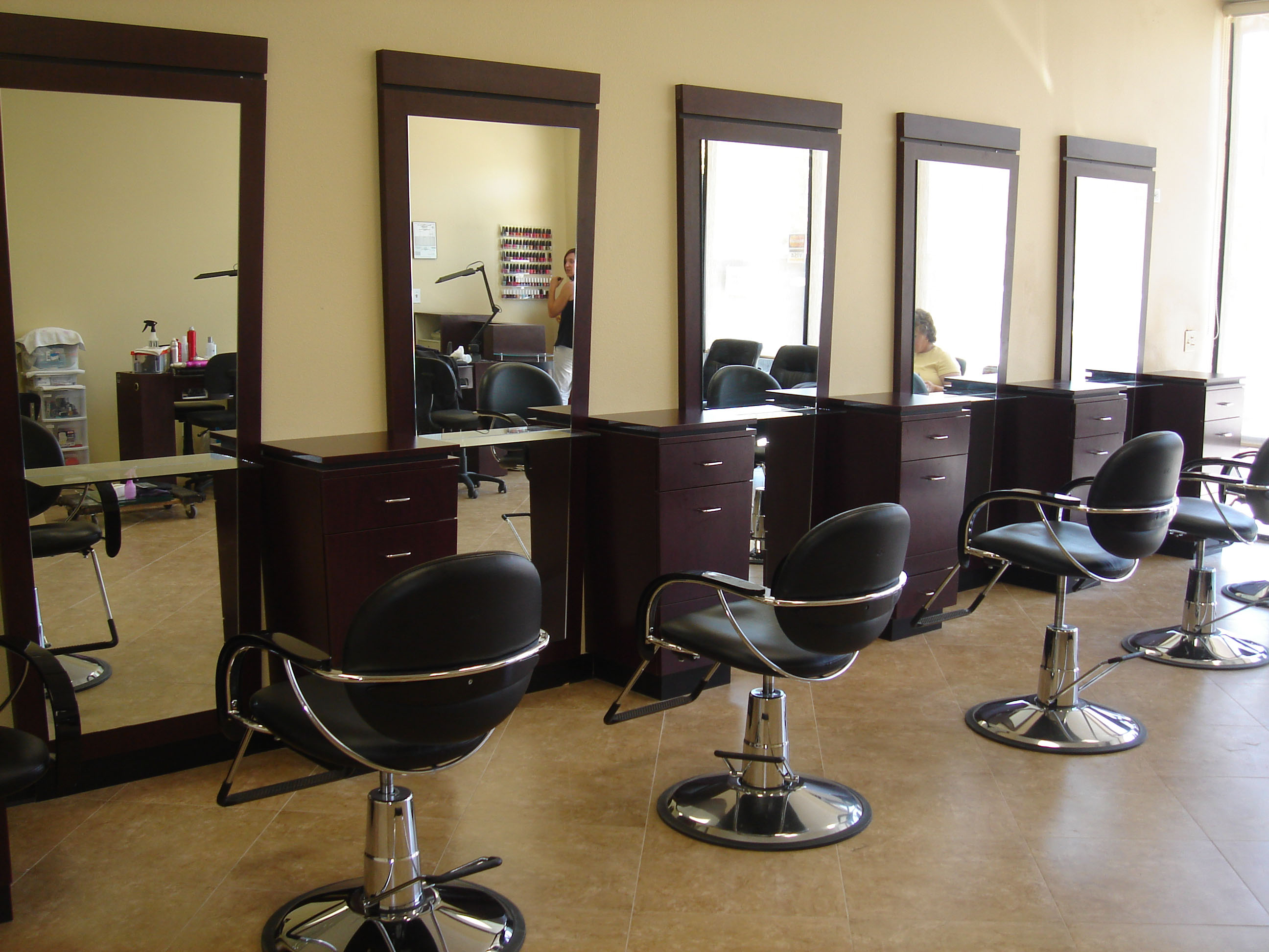 Groove your business with some exquisite salon furniture