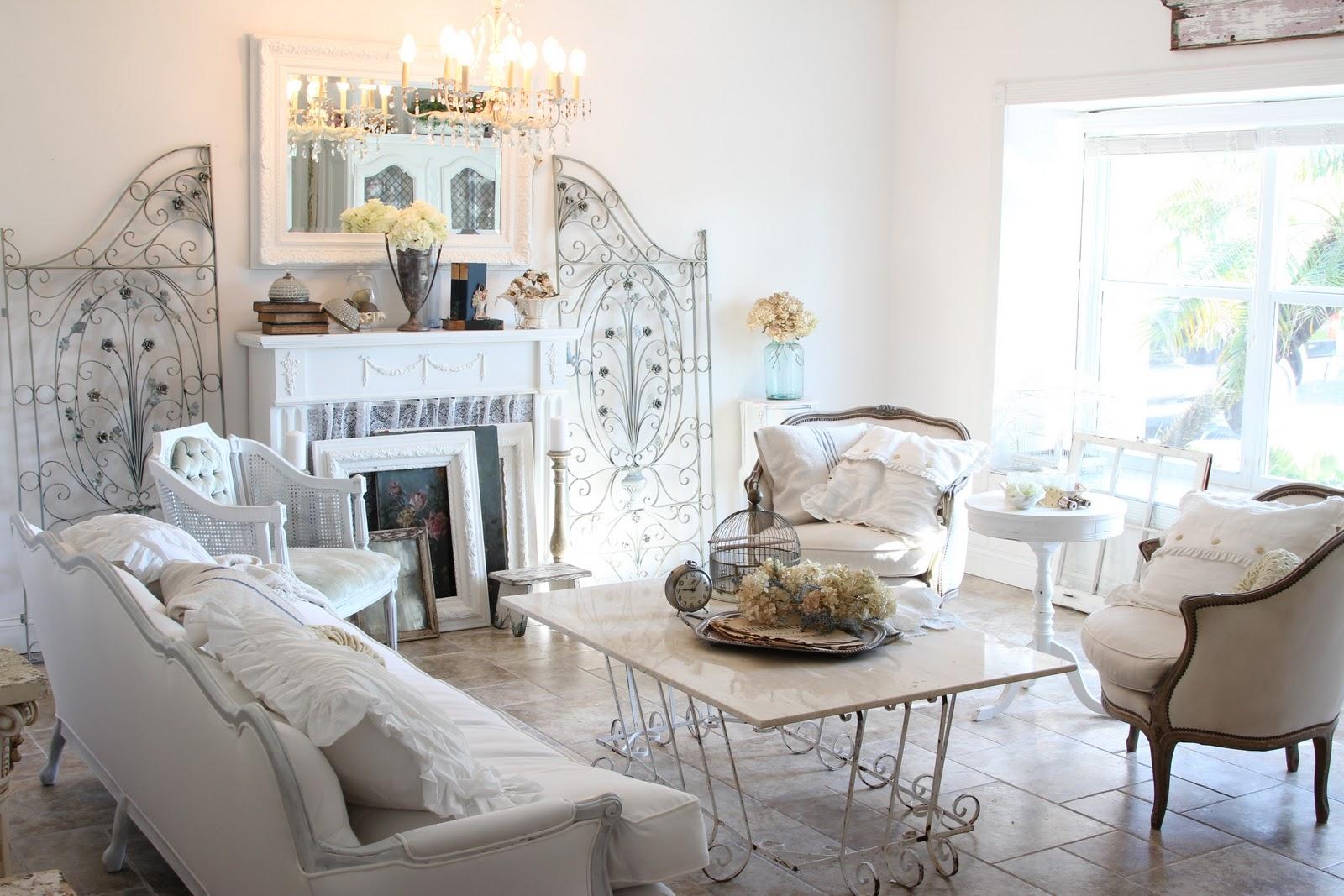 shabby chic living room chabby chic living room with tufted sofa UIDXYFU