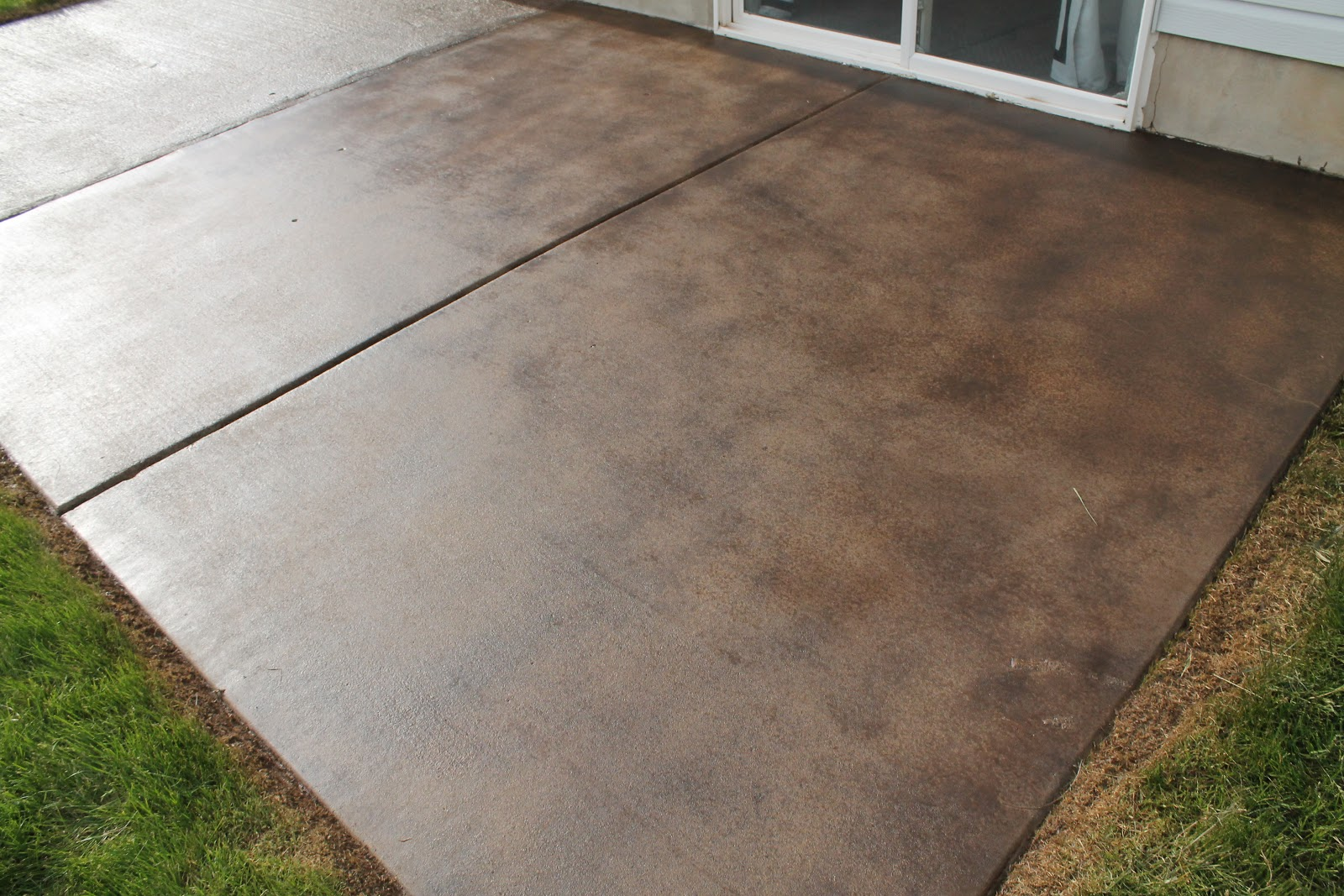 stained concrete patio how to stain a concrete patio - chris loves julia CMQOZGF