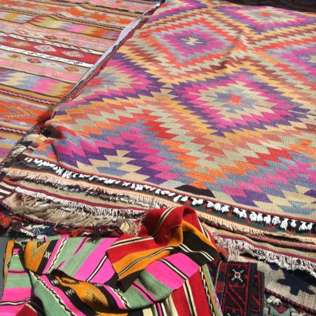 these aztec rugs made me stop in my tracks @ brooklyn flea LSNWQEK