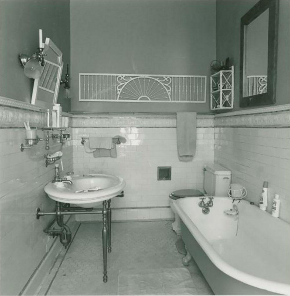 victorian bathrooms victorian-bathroom-ideas-nooney-clinton-hill WVWLUJA