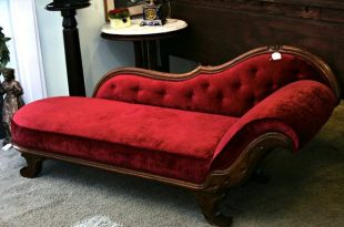 victorian fainting couch - this is perfect for our  MOQZXFW