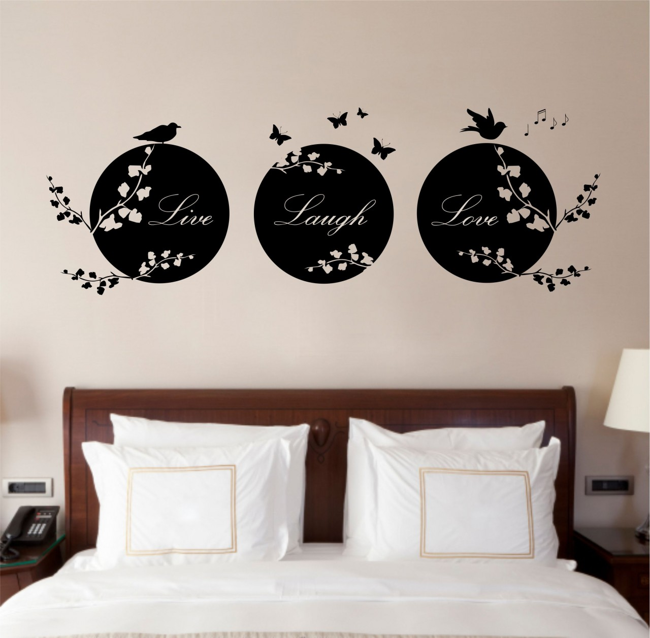 Vinyl wall art: makeover for your homes