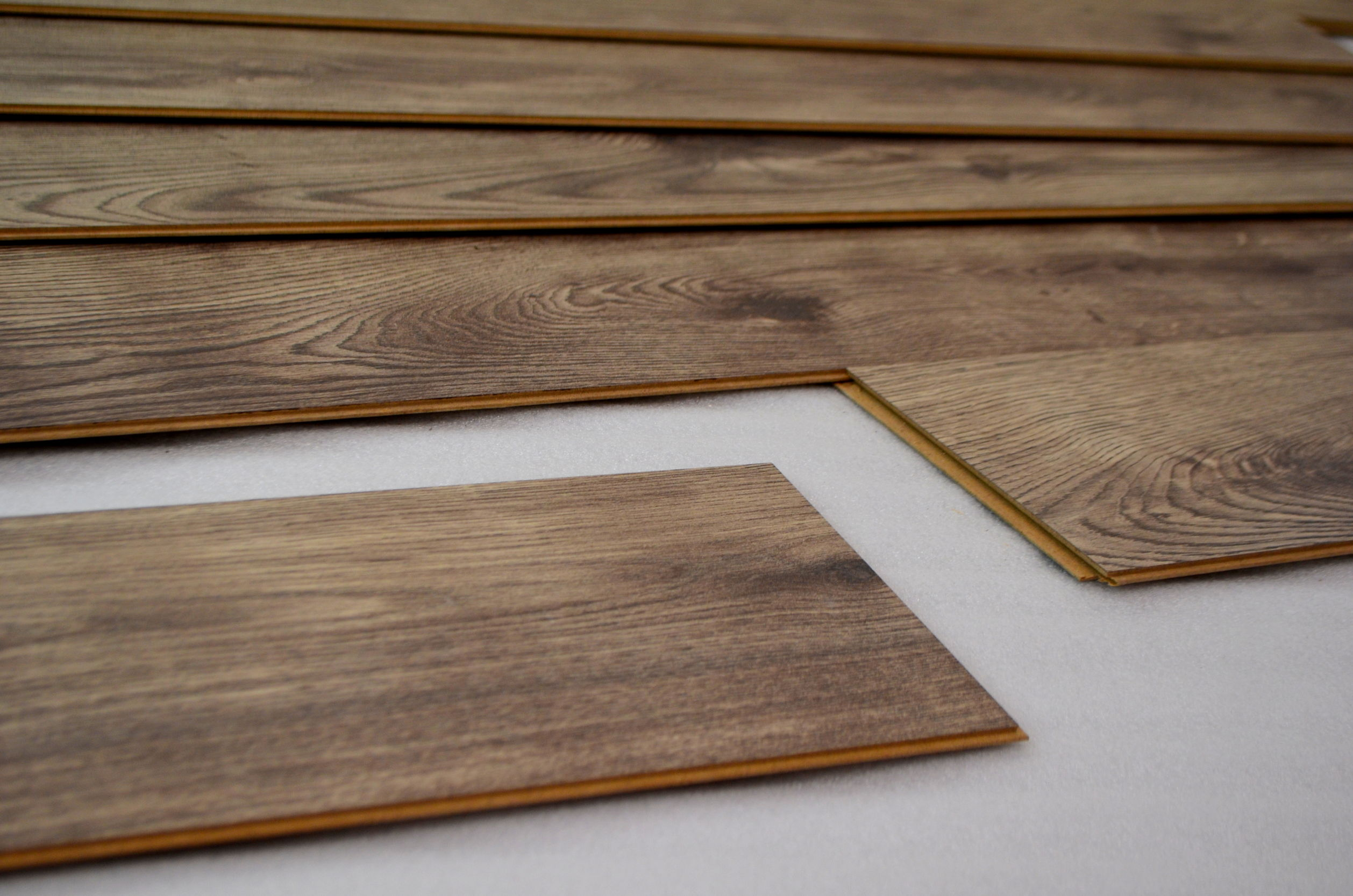 12mm laminate flooring QNXAYRK