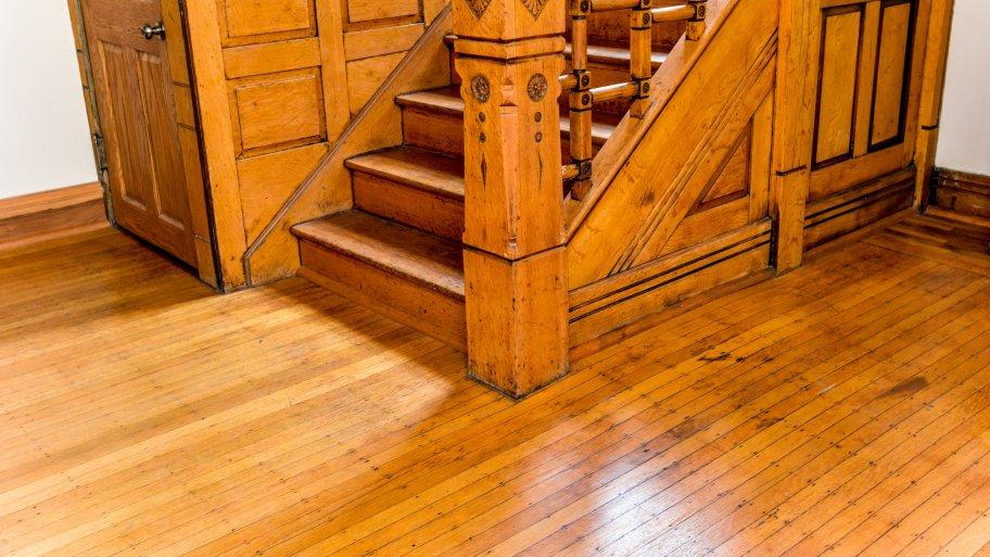 Tips for refinishing hardwood floors