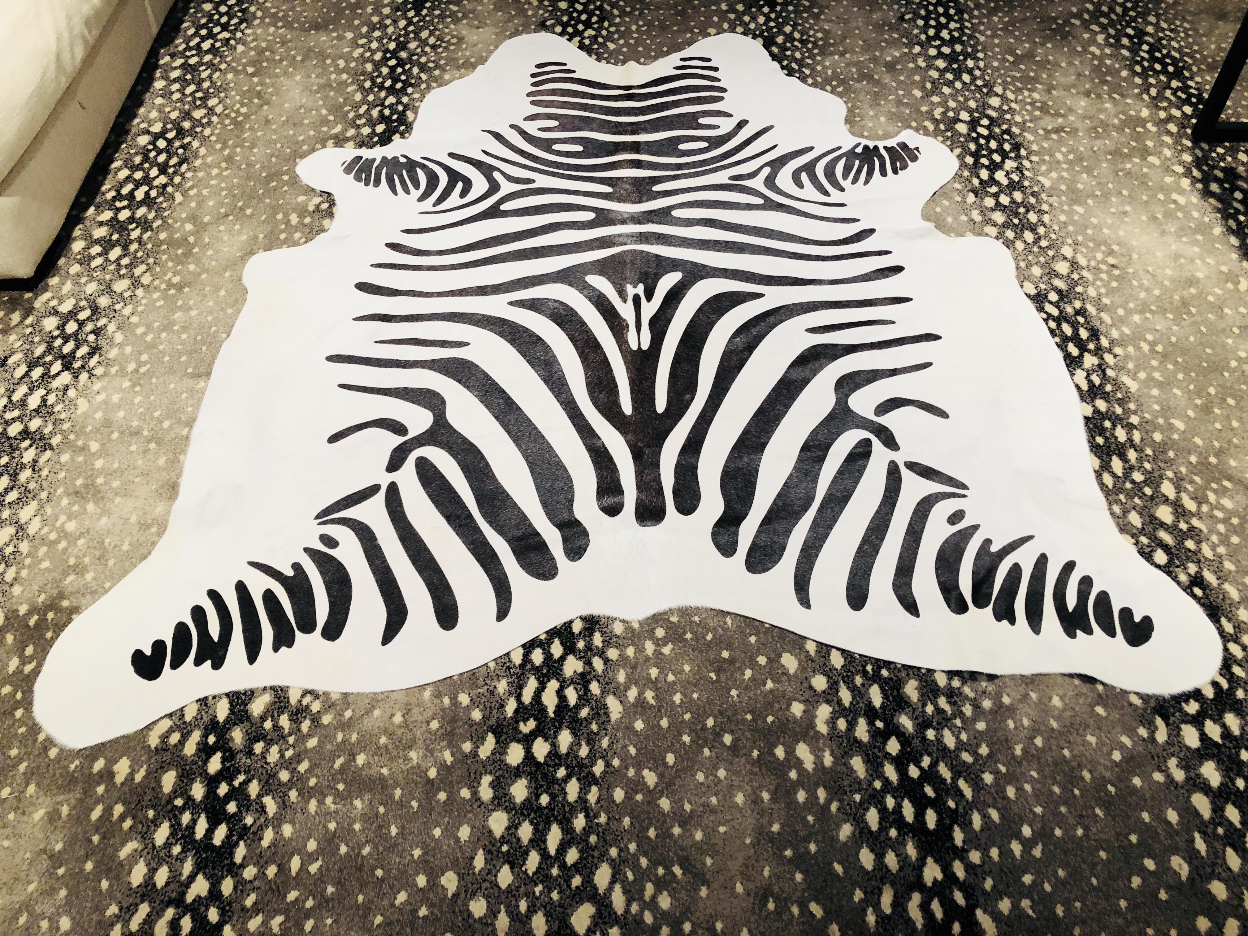 black and white hair on hide zebra rug - 6u0027 x 6u00274 PTKIRWM