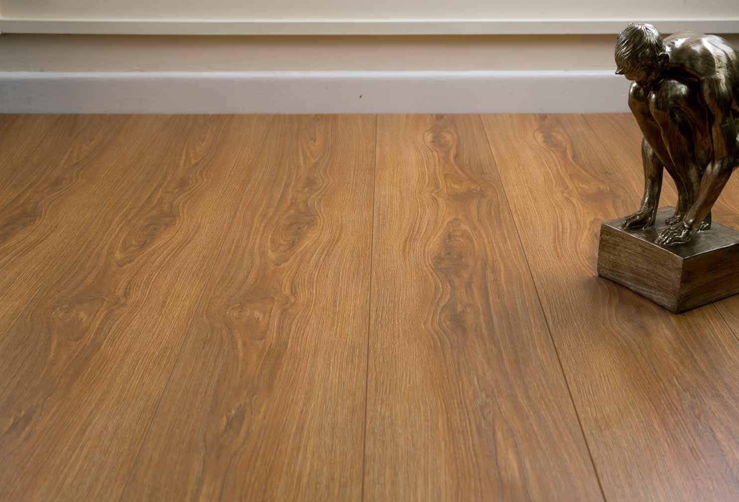 burnbury 8mm french oak laminate flooring HYHVTCT