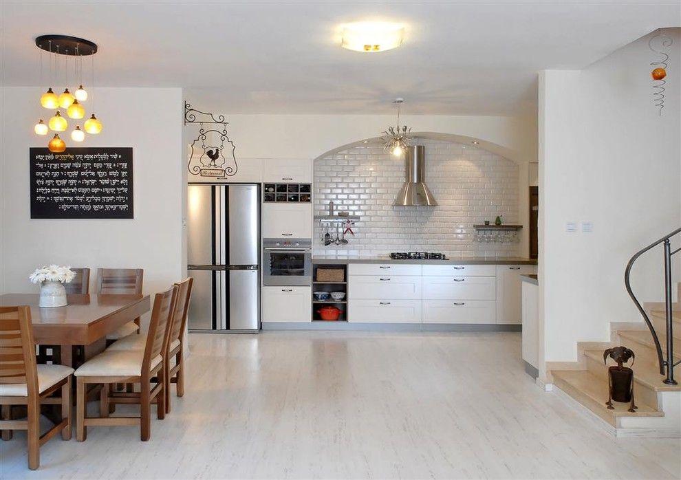 contemporary laminate wooden floors white laminate kitchen flooring GLOKTTG