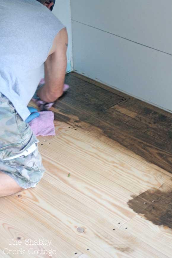 Diy hardwood floor back to the bedroomu2026 NDCMIKF