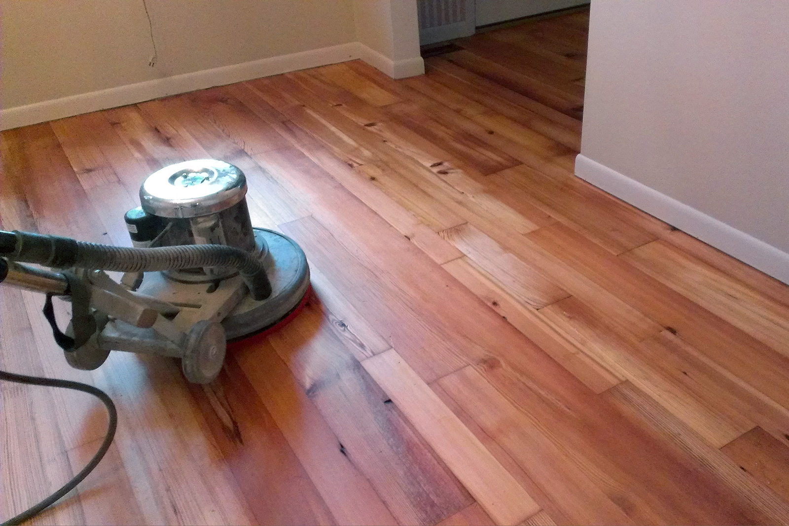 Here is how you should find the best hardwood floor finishes