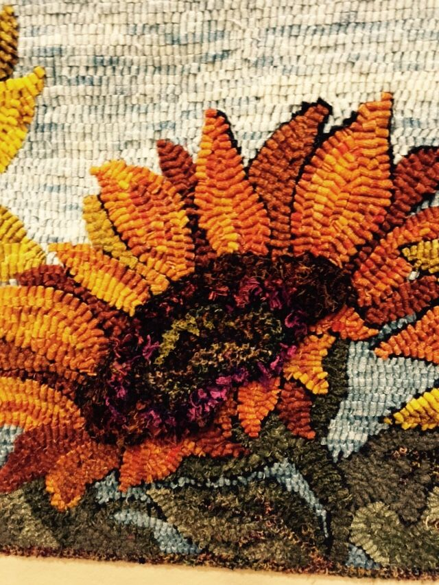 hooked rugs rug hooking designs, rug hooking patterns, rug patterns, pattern ideas,  floral rugs, JNZETLK