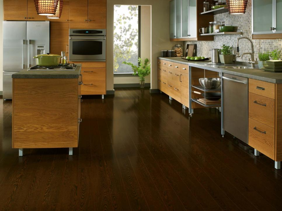 Laminate flooring reviews: tips, pros and cons