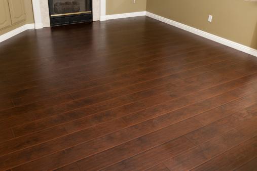 laminate hardwood choosing between hardwood and laminate wood flooring JKWAAPG