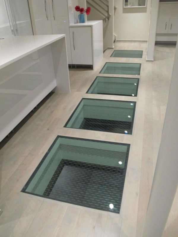 laminated glass floor system glass panels with a glass frit top surface for traction in a luxury MOHHHRI